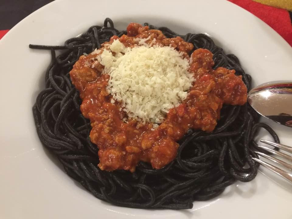 Deutschlandspaghetti / Schwarze Spaghetti aus dem Pasta Maker