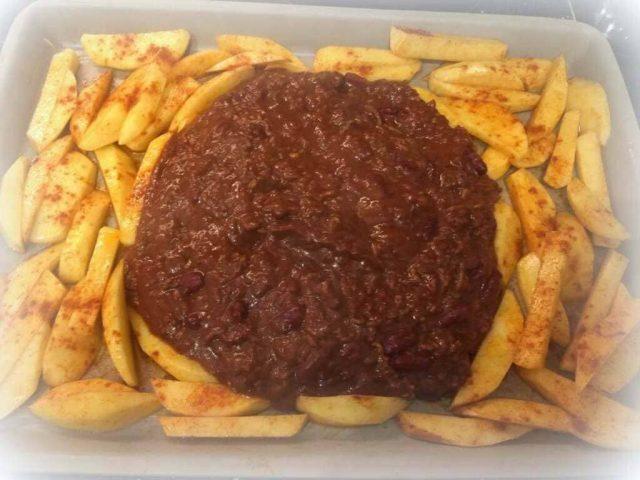Chili Cheese Fries vom gr. Ofenzauberer / Zauberstein