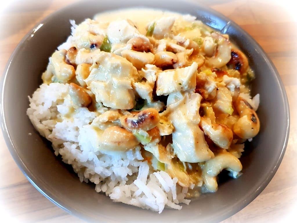 Hühnchen Curry mit gerösteten Cashew