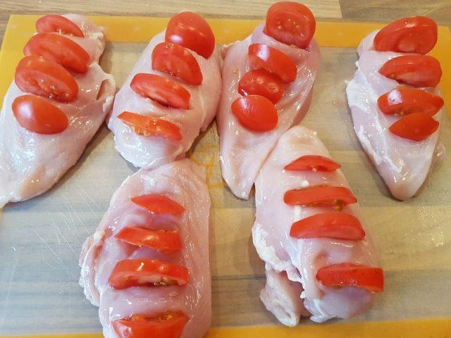 Hühnchenbrust Tomate - Mozarella aus der Ofenhexe / Ofenmeister