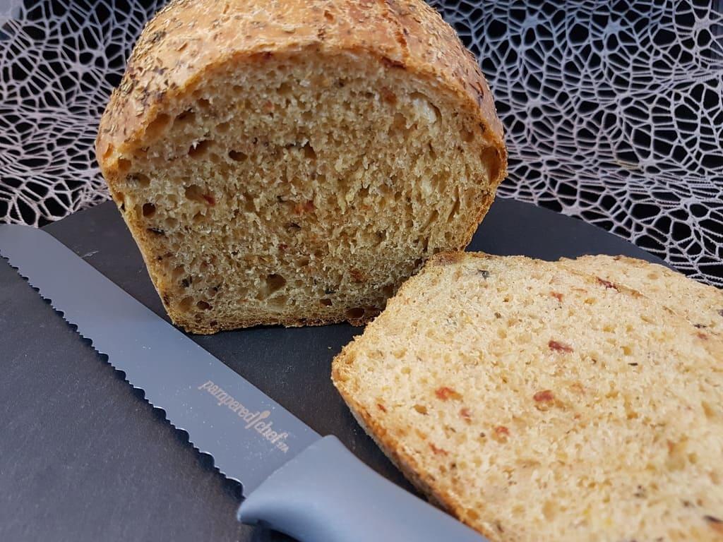 Mediterranes Brot im kleinen Zaubermeister