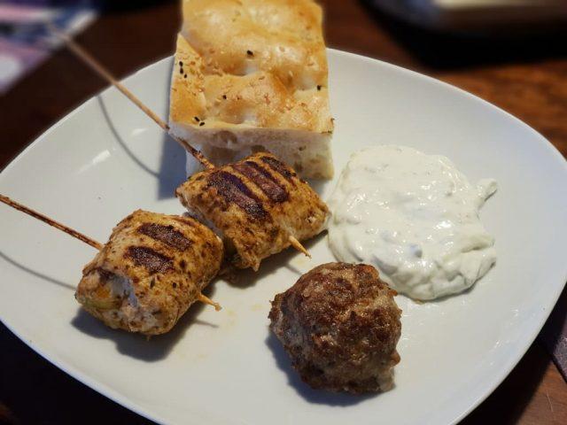 Griechische Lolli's auf dem Rockcrok® Grillstein