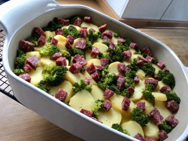 Kartoffel-Brokkoli-Gratin mit einem Hauch von Wild
