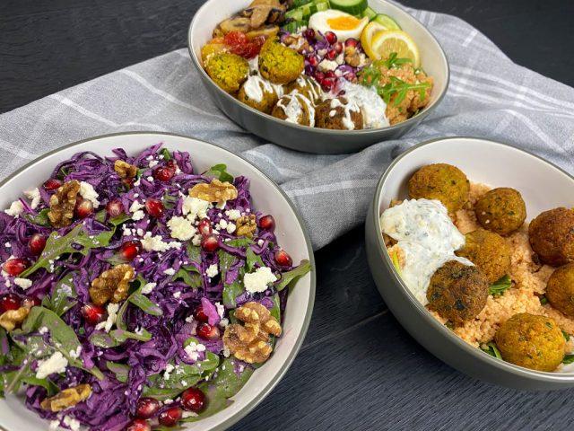 Orientalischer Rotkohlsalat mit Sesamdressing