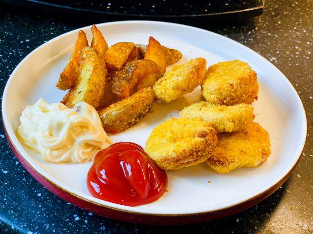 Chicken Nuggets mit Kartoffelspalten - Aus dem Deluxe Air Fryer -